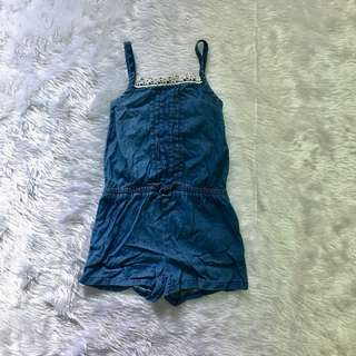 Denim jumpsuit• very cute• good condition