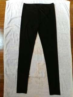 🚚 黑色彈性亮面內搭褲