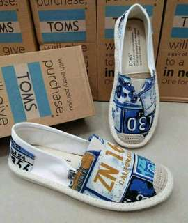 T 0 M S   SLIP-ON SHOES  NEW ARRIVAL
