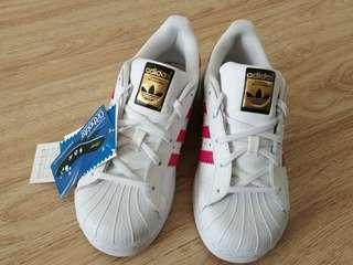 Adidas Superstar 女童鞋