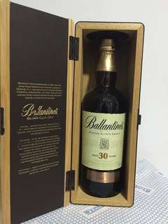 BLENDED SCOTCH WHISKEY 30 Years