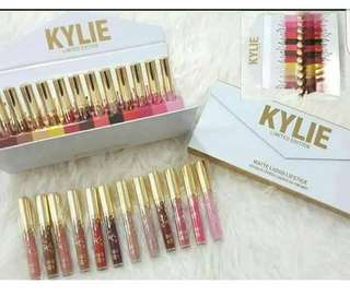 🚚 <INSTOCK> Kylie Limited Edition Clutch Matte Lipstick Set💄