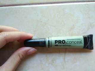 La Girl Pro Conceal shade Green