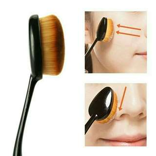 KUAS MAKE UP BRUSH / KUAS OVAL FOUNDATION