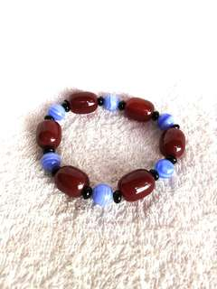 🚚 Natural Red + Black + Chinese Blue Lace Agate Bracelet 天然的红+黑+大陆蓝纹玛瑙手链