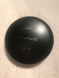 Mac nc10 studio fix powder *lightest shade*