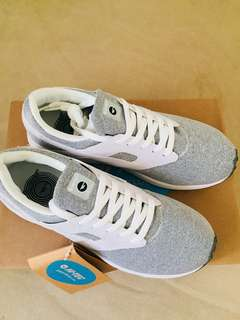 Hi-Tec Badwater Cozy White Grey Womens Shoes
