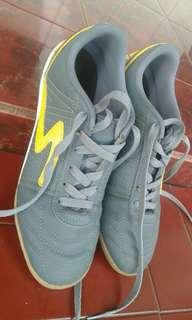 Sepatu futsal second