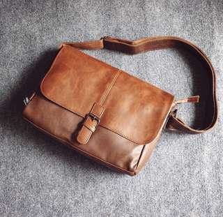Medium brown shoulder camera bag ( waterproof )