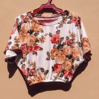 FLORAL GARTERIZED TOP