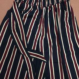 🚚 時尚必備款 黑紅條紋寬褲