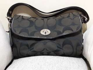 SALE🍎REPRICED🍎Pre-loved Original Coach Two-way Bag