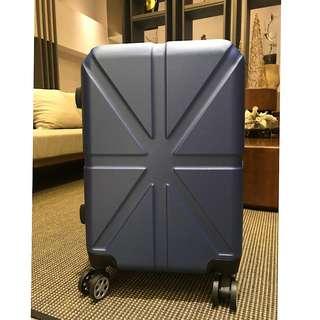 質感深藍行李箱