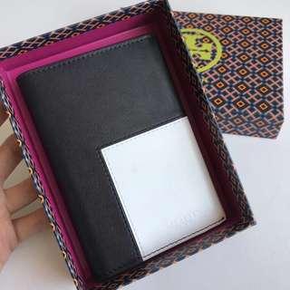 tory burch 新款素面牛皮撞色對折皮夾 護照夾