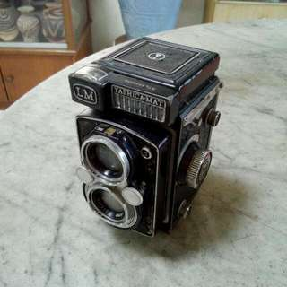 Yashica-Mat LM Camera Vintage