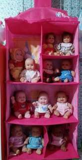Toy trainer ideal to keep and hold your doll collections