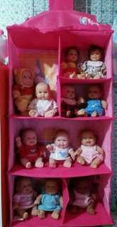 Toy trainer ideal to hold n keep your Doll Collections
