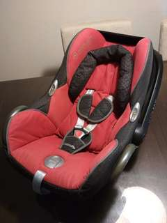 Maxi Cosi CabrioFix Car Seat (NB up to 12kg)