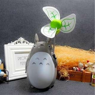 🚚 新款 龍貓 USB 充電 夜燈 風扇 靜音 軟葉風扇 涼風扇 充電 迷你 辦公室 風扇 小夜燈