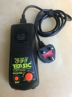 NiMh/ NiCd Battery Charger