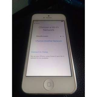 orig iphone 5 16gb fu issue icloud for parts only