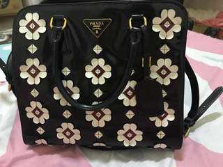🚚 PRADA AUTHENTIC ( shoulder bag body bag)
