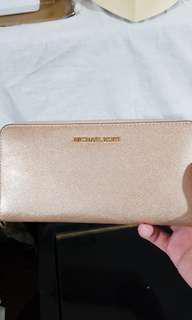 🚚 Brand New Michel Kor Wallet for sale