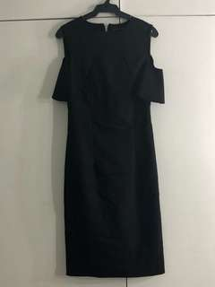Sleeveless with off shoulders little black dress