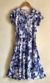 Knee-length floral dress