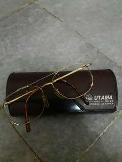 Kacamata Vintage (tanpa lensa)