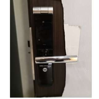 YALE YMF40 DIGITAL DOOR LOCK(WOODEN DOOR)