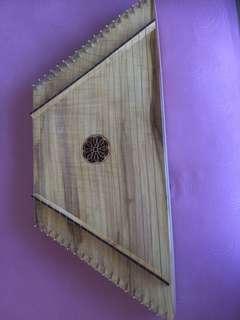 Lap harp, Plucked Psaltery