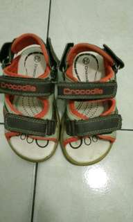sepatu crocodile untuk 1 tahun