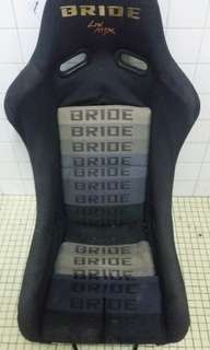 Bride black car seater