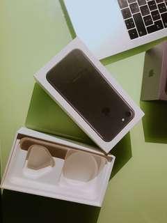 iPhone 吉盒2個
