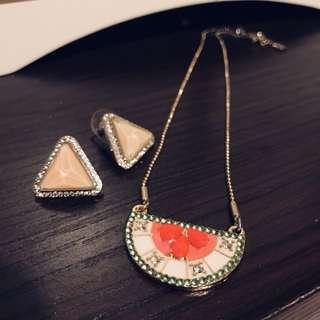 Mykonos glass triangle earrings 💮