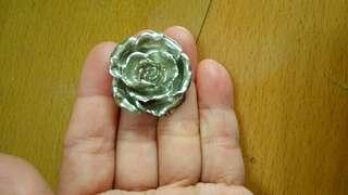 🚚 精美玫瑰胸針