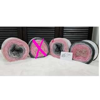 Gradient yarn in Pink Metal