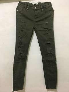 Zara women ripped jeans