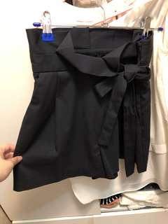 🚚 正品ZARA紙袋腰頭綁帶短褲