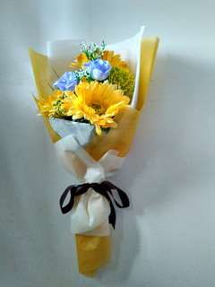 Artificial hand bouquet flower