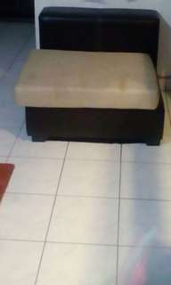 3 set sofa leather seats good condition