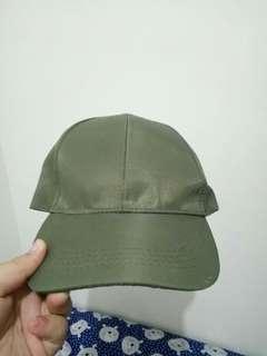 Topi hijau army