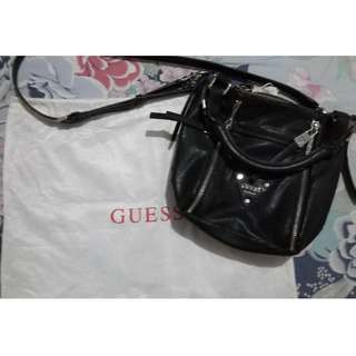 Guess Sling Bag / Hand Bag HITAM (Black) Tas original (ori)