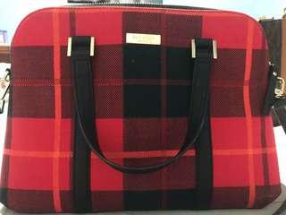 Kate spade original bag i bought 9k i selling in 6500k only