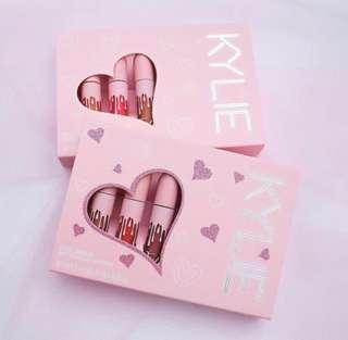 🚚 KYLIE Birthday Collection mini Matte Lipstick Set