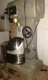 Mixer untuk dijual (urgent)