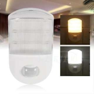 686.  AC-220V-240V-0-6W-Motion-Infrared-Sensor-House-LED-Night-Light-Lamp-EU-Plug-JS