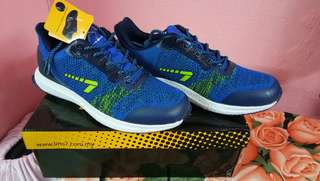 Line 7 running shoes