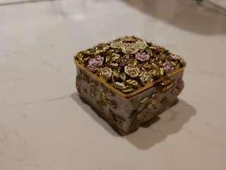 典雅手飾盒